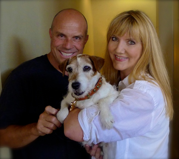 Master dog trainer Omar Von Muller poses with superstar and four-legged son Uggie and this author who was overwhelmed by the entire experience.